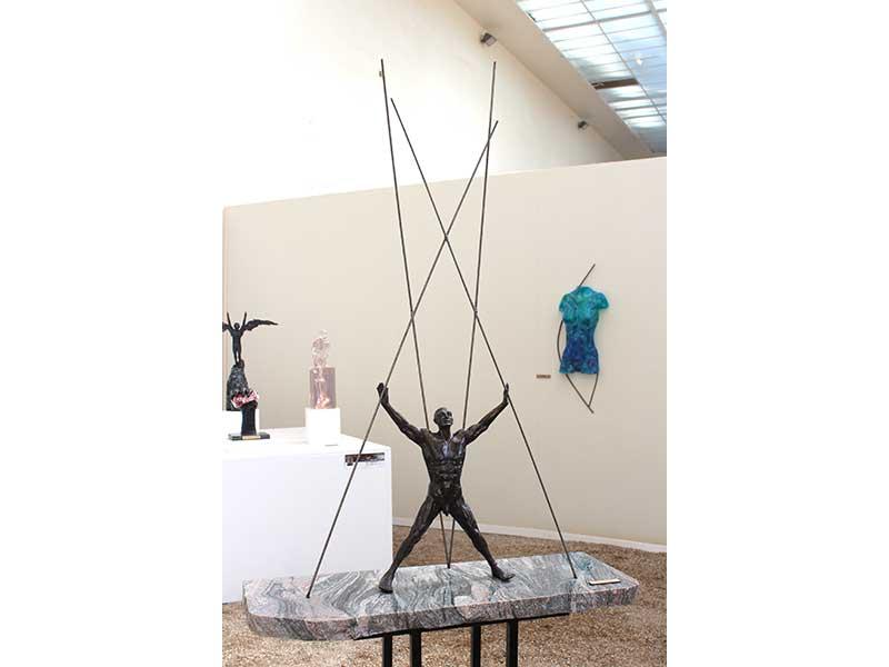 crucifixion_sculpture